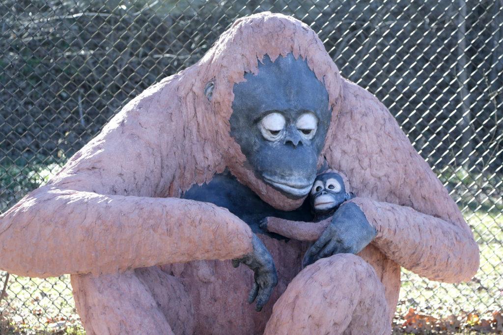 Waco Sculpture Zoo - Razak and Auntie