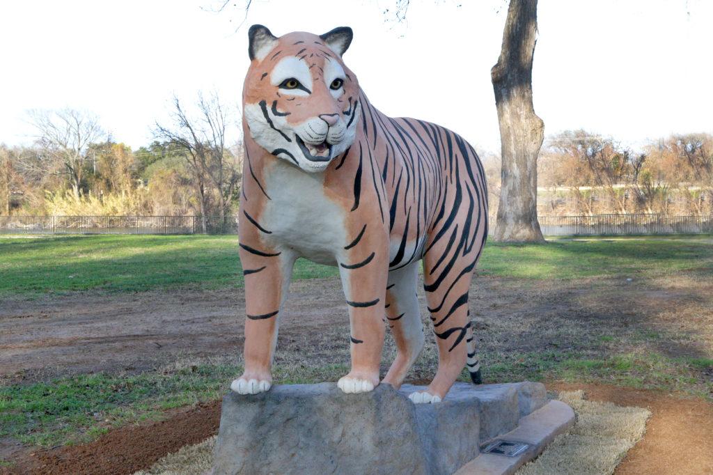 Waco Sculpture Zoo - Tyson